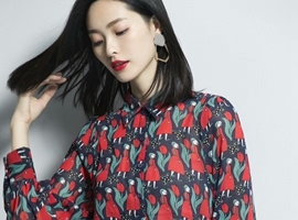 热烈祝贺中国服装网协助新疆何女士签约优衣美女装品牌!