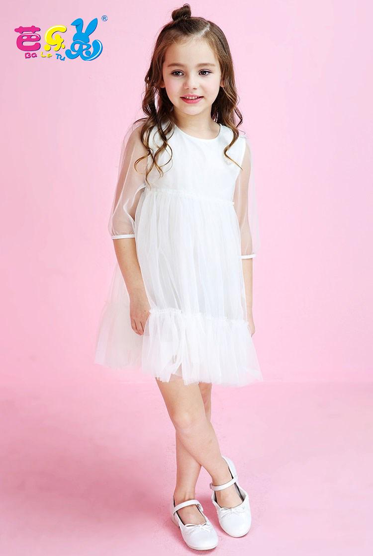 芭乐兔童装品牌 设计风格:简约、经典、童真