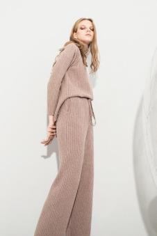 esons女装粉色针织套装