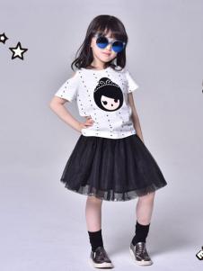 MINICHOC童装白色时尚T恤