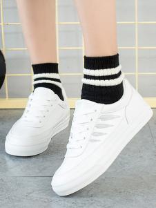 大东休闲时尚小白鞋