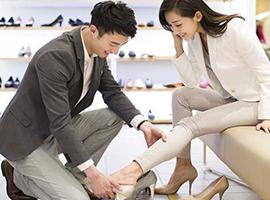 鞋类消费市场潜力巨大 传统鞋企为何大溃败?