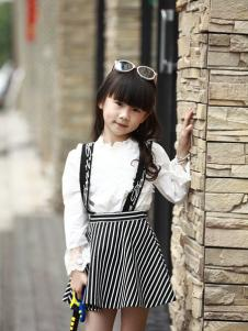 GT童装灰色条纹吊带裙