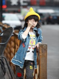 GT童装蓝色牛仔外套