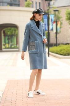 娅玛诗蓝色时尚大衣