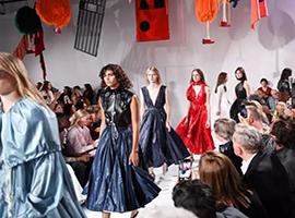 新一季纽约时装周大牌云集 这是迎来了新机遇?
