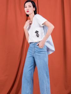 S&D女装白色休闲T恤