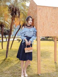 布莉吉奥女装蓝色网纱露肩T恤