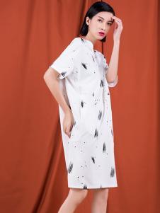S&D女装白色印花连衣裙
