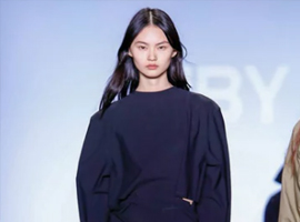 纽约时装周JNBY秀: 在拒绝被定义中寻找自我