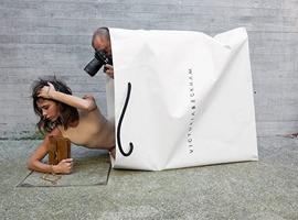 贝嫂同名品牌发布成衣宣传片 画风神似Marc Jacobs广告