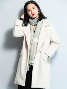 2018优衣美女装白色大衣