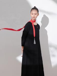 遇见心中月女装黑色时尚连衣裙