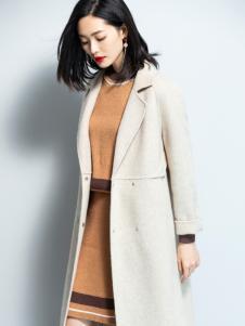 2018优衣美女装米色大衣