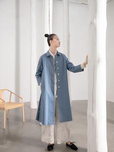 遇见心中月女装蓝色休闲风衣