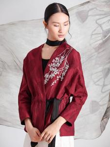 遇见心中月女装红色印花外套