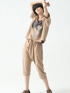 巴古利女装杏色印花时尚套装