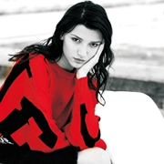 ik女装红黑色碰撞出的秋日时尚