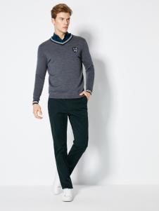 2018梵思诺新款深灰色毛衣