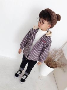 淘淘兔童装紫色条纹外套