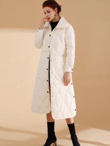 彩知丽白色长款羽绒服