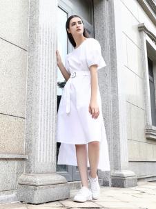 她之曲女装她之曲女装白色收腰连衣裙