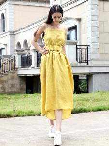 她之曲女装她之曲女装黄色吊带裙
