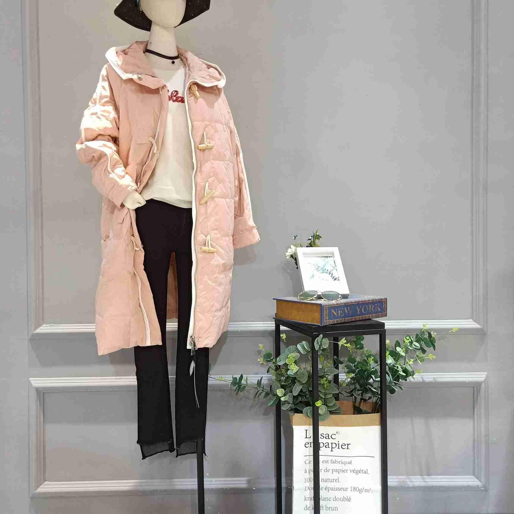品牌歌瑞丝芬女装低折扣尾货批发