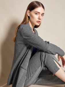 2018夺宝奇兵女装格纹西服外套