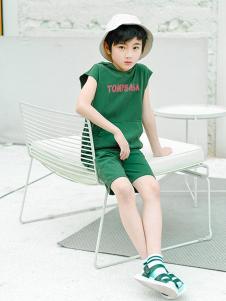 童鲨童装绿色字母套装