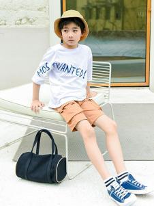 童鲨童装白色字母T恤