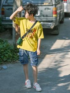 童鲨童装黄色休闲T恤