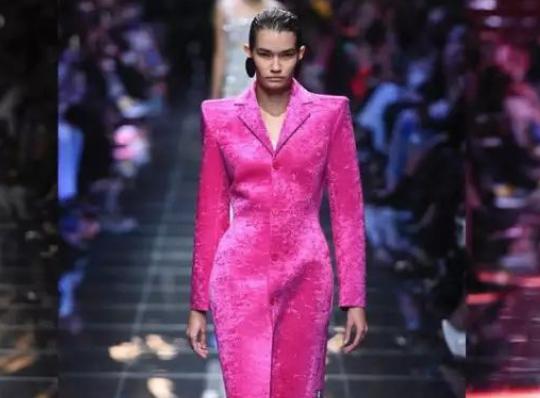 巴黎时装周报道 | Balenciaga:电子世界