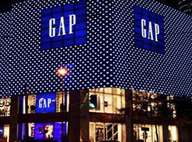 曾经休闲装王者Gap的发展史:崛起、沉寂与复苏