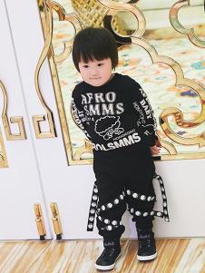 LSMMS童装黑色字母印花T恤
