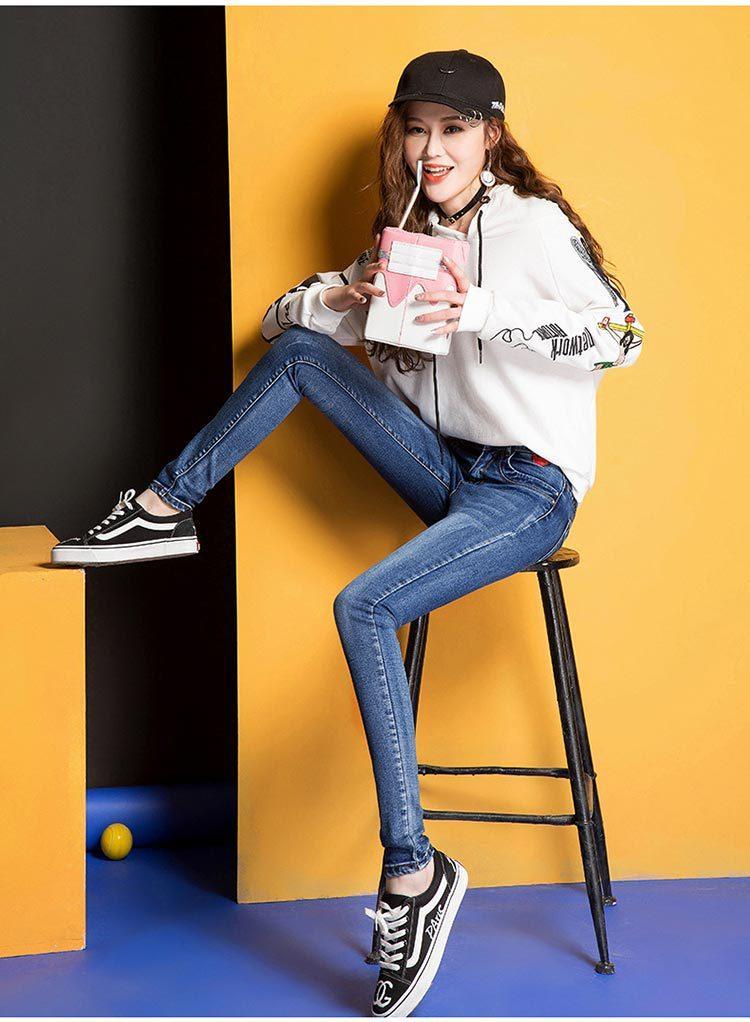 韩版女士牛仔裤厂家直销一手货源
