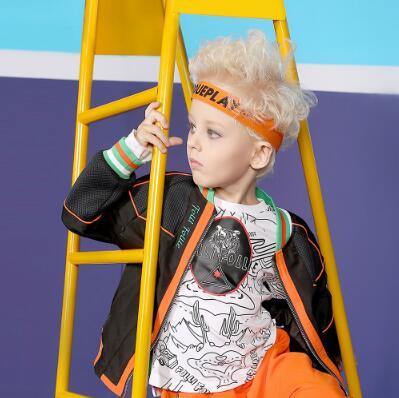 这个秋天想要宝宝穿的时尚潮流 来芙丽芙丽follifollie童装吧!