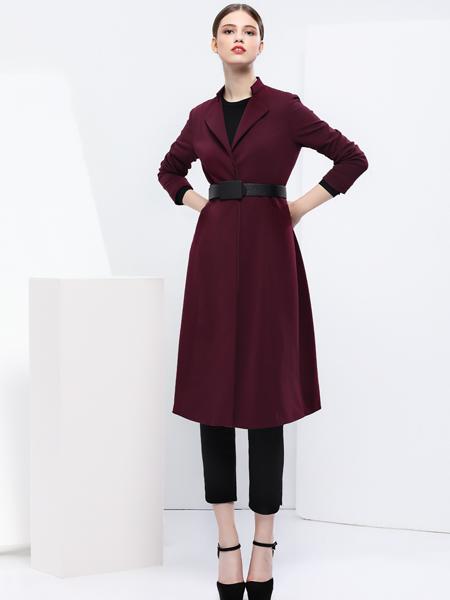 2018艺梦来女装红色长款大衣