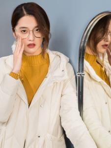 2018布根香女装白色羽绒服