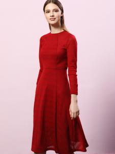 2018艺梦来女装红色长袖连衣裙