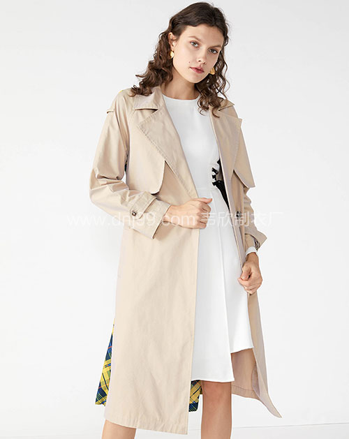 2018年女式风衣一手货源