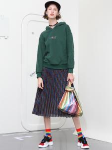 2018betu百图女装绿色卫衣