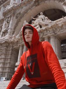 VISENIYA男装红色卫衣