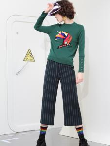 2018betu百图女装绿色毛衣