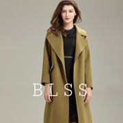 布伦圣丝时尚大衣尽显优雅从容