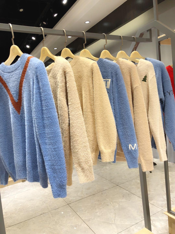 比心品牌厂家库存毛衣一手货源