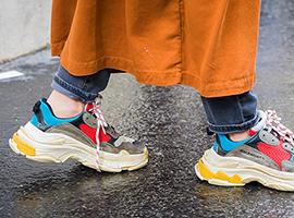 善变的高端品牌赶去创造下一个时尚热点 老爹鞋成了过去