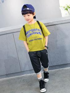 多多家童装黄色字母T恤
