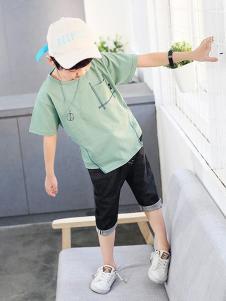 多多家童装浅绿色休闲T恤
