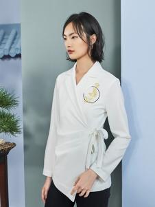 花木深女装白色绣花T恤